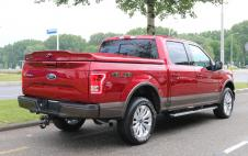 F150 Lariat SuperCrew V6- Ruby Red/Caribou